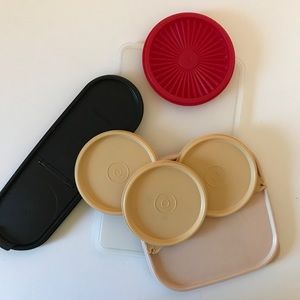 Grab bag of assorted Tupperware lids